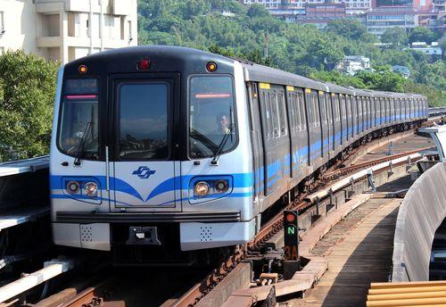 Taipei-MRT_C381_20130908.jpg